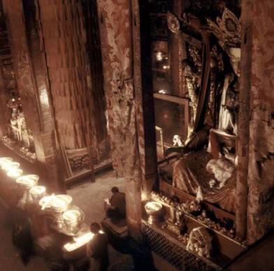 Lhasa Jokhang temple during Tibetan New Year (Alexander 92)