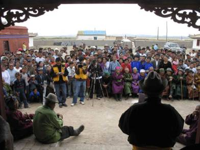 The local community and media from Ulaan-Bataar joined the celebration of the completion of THF's restoration of Sangiin Dalai monastery in Mongolia