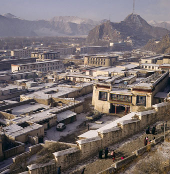 Vernacular buildings in Shoel village Lhasa (Alexander 1992)
