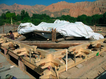 Reassembly of the roof, with historic and replacement timber elements
