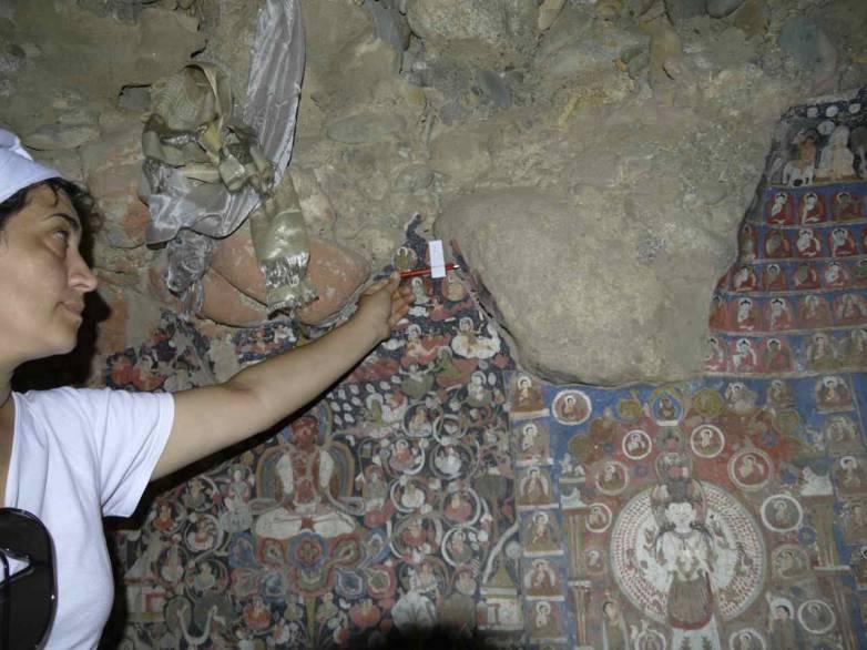 Dr. Roxana Radvan preparing for 3D scan of cave at Sasspol