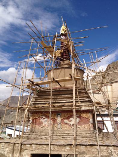 East stupa gate at the beginning of the restoration.