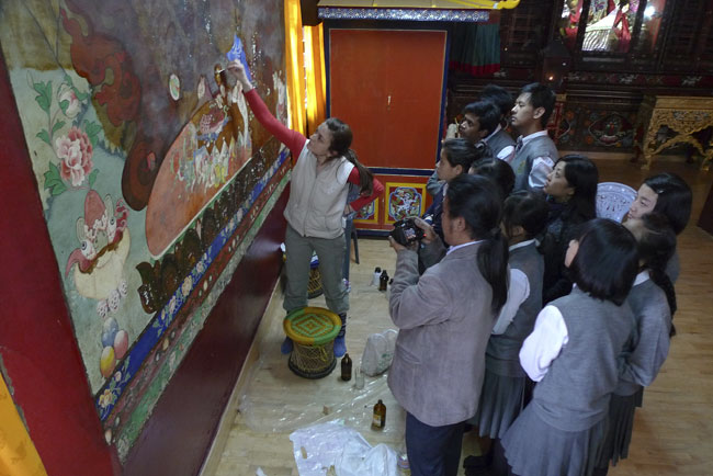 Fine Arts students from the Tashi Namgyal Academy Gangtok visit the Tsuklakhang project